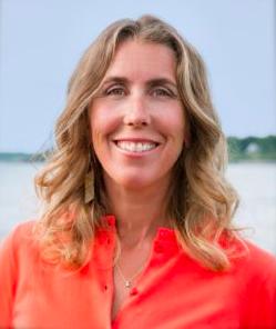 Dr. Wendy Ellis Headshot Photo